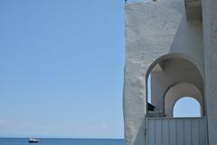 DSC_6904_4628. Mediterraneo. (angelo appoloni) Tags: liguria mare mediterraneo casa riviera barca da diporto archi di architettura ligurian coast mediterranean sea house pleasure boat architecture arches