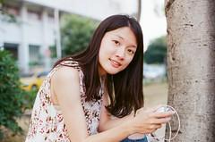 ガール girl (KANZAKI MATA) Tags: girl camera beauty nikon film 35mm 人像 相中人