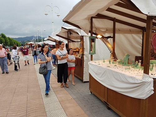 "Feria de Artesanía/PV • <a style=""font-size:0.8em;"" href=""http://www.flickr.com/photos/85451274@N03/42681252524/"" target=""_blank"">View on Flickr</a>"