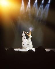"""D Y N A M I C Y U N N A N #云南映象 . . 去昆明还真的不能错过的表演,孔雀舞婀娜多姿 柔软度超标,我个人很喜欢其中一个民族舞,好像叫""""海草舞""""什么的🙈 If you are going to YunNan, make sure to watch """"Dynamic Yunnan"""" cultural dance show, the peacock dance is one of the highlight~ . . Photo taken by @tian (Tian Chad) Tags: ifttt instagram"""
