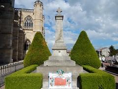2018 24 mai ND Epine extérieur (areims) Tags: cimetières cimetière église lepine eglise