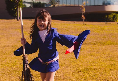 cosplay-girls-kiki-akko-little-witch-academia-2.jpg