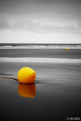 Lemon (Melanie Gregory) Tags: buoy vendée france blackandwhite beacheslandscapes beach lemon yelloe colourpop buoyant yearend18
