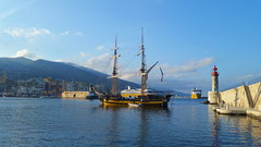 390 - Bastia, dans le port (paspog) Tags: bastia corse france port hafen haven mai may 2018 vieuxport