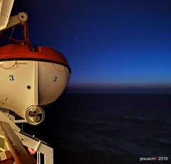 S.O.S number 3 (jesuscm_Huawei P20 series) Tags: bote lancha salvamento boat speedboat rescue anochecer dusk navigation crucero cruise regeo aegean grecia huaweip20 jesuscm