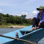 Barquero en el Río Son, Phong Nha, Vietnam thumbnail