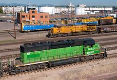 North Yard Meet (Erie Limited) Tags: denverco bnsf emd sd402 up northyard unionpacific ge ac4400cw train railfan railroad