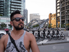 Pedro (Sir Heck C) Tags: no model pose street photo toronto 2018 construction site urban canada flag gh5 cn tower