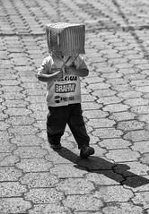 """""""quartier du panier!"""" Guatemala ! (poupette1957) Tags: atmosphère art black canon city curious children guatemala humanisme humour hat imagesingulières jeune life monochrome noiretblanc photographie people rue street town travel urban ville voyage"""