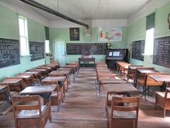 Fort Steele Heritage Town (Jasperdo) Tags: fortsteeleheritagetown fortsteele britishcolumbia canada history schoolhouse desk chair chalkboard