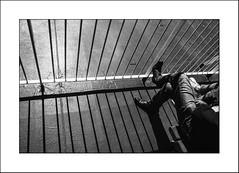 90 mn, Calais Dover (Napafloma-Photographe) Tags: 2018 bandw bw bateau métiersetpersonnages personnes techniquephoto transports blackandwhite ferry monochrome napaflomaphotographe noiretblanc noiretblancfrance photographe streetphotography douvres kent grandebretagne gb dover bateaux boat grille ombre ombres