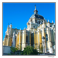 beautiful building (harrypwt) Tags: harrypwt framed borders 40d 18200 city people building paintinglike 11 square architecture church landmark