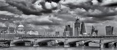 Threatening (David Feuerhelm) Tags: nikkor blackandwhite bw noiretblanc schwarzundweiss contrast panorama cityscape london stpauls riverthames clouds storm nikon d750 2470mmf28