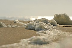 Airy (peeteninge) Tags: beach airy foam sand sea bokeh nature strand zee schuim zand luchtig fujifilmxt2 fujifilm xf80mmf28