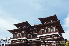 Buddha Tooth Relic Temple - Singapore (Naomi Rahim (thanks for 4 million visits)) Tags: chinatown singapore 2017 asia temple buddhatoothrelictemple nikon nikond7200 travelphotography travel wanderlust buddhism placeofworship architecture blue sky