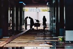 ... (metinŞimşek) Tags: analog analoque zenitar zenit zenitar50mm zenit122 streetphotography street streetpassionaward streetpeople 35mmfilm filmnegative film silhouette silhouettepeople