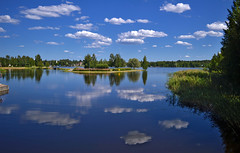 Happy Midsummer! 🌷🌷🌷 Reflections. Lake Päijänne, Sysmä, Finland. Summer. (L.Lahtinen (nature photography)) Tags: finland summer reflections midsummer calm nature sysmä landscapephotography majutvesi scenery