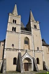 Two towers (petrOlly) Tags: europe europa slovensko slowakei slovakia słowacja sk2018 spišsképodhradie spišskákapitula architecture architektura church door doors spiš spišcastle