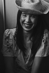 Pri (TheJennire) Tags: photography fotografia foto photo canon camera camara colours colores cores light luz young tumblr indie teen adolescentcontent blackandwhite 50mm 2018 sp sãopaulo brasil brazil hat makeup glitter smile happy naturallight summer laugh