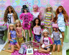 Between photo shoots (Annette29aag) Tags: doll barbie group fashionista fashion redressed
