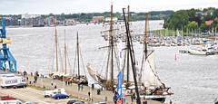 Hansestadt  Rostock (unicorn 81) Tags: canonef2470mmf28liiusm warnow fluss schiffe rostock