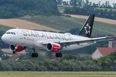 A320_LH2328 (MUC-VIE)_OE-LBZ (StarAlliance Livery)_1 (VIE-Spotter) Tags: vienna vie airport airplane flugzeug flughafen planespotting wien