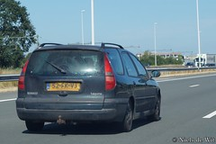2000 Renault Laguna Break (NielsdeWit) Tags: nielsdewit car vehicle 52fkvj a12 highway driving renault laguna break