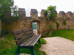 Burghausen Oberbayern (Monika Bauer) Tags: geniesen entspannung bavaria bayern burgmauer durchgang view ausblick bank burghausen castle burg stadt city salzach fluss wöhrsee see lake schön beauty
