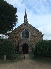 Church of St. James, Alderholt, Dorset (Living in Dorset) Tags: stjameschurch church alderholt dorset england uk gb