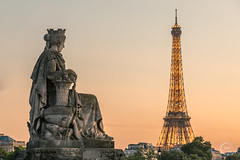 I am looking at you ❤️ (Julien CHARLES photography) Tags: eiffel eiffeltower europe france paris statue tour architecture sunset sunsetlight sunsettime tower view