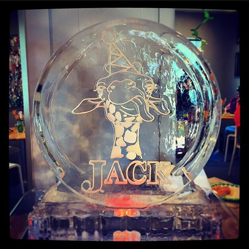 Happy #birthday Jack! @hiveaustin #fullspectrumice #thinkoutsidetheblocks #brrriliant - Full Spectrum Ice Sculpture