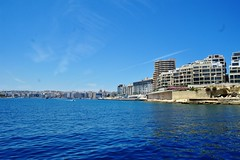 2016-06-08j rejs Sliema (2) (aknad0) Tags: malta sliema krajobraz morze architektura statki