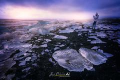 DIU_68 (jpmfotografianocturna) Tags: estaesislandia islandia lovesislandia playa beach ice iceland iceberg amanecer nubes clouds fugadenubes playadelosicebergs nikonistas nikon tokina filtros nd largaexposicion retrato vanguard lucroit luznatural paisaje landscape paraiso