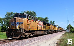 UP 5755 Leads SB Manifest Iowa Falls, IA 6-29-18 (KansasScanner) Tags: iowa iowafalls ackley buckeye alden cn csx up ns bnsf iarr train railroad sunset