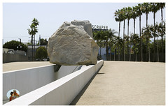 Los Angeles_0468 (Thomas Willard) Tags: losangeles california lacma levitated mass michael heizer skyscraper billboard scraper bolder rock art county museum