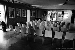 Lukas Lauermann: cello / Soundcheck (jazzfoto.at) Tags: sony sonyalpha sonyalpha77ii alpha77ii sonya77m2 musiker musik music bühne concerto concierto конце́рт wwwjazzfotoat jazzfoto jazzphoto markuslackinger jazz jazzlive livejazz konzertfoto concertphoto liveinconcert stagephoto blitzlos ohneblitz noflash withoutflash lauermann lukaslauermann thalgau kulturkraftwerkthalgau kulturkraftwerk cello cellokonzert celloconcert cellosolo oh456 salzburg sw bw schwarzweiss blackandwhite blackwhite noirblanc bianconero biancoenero blancoynegro zwartwit pretoebranco