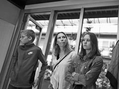 Iwan, Denise & Ilona (Del~Uks) Tags: leica qtyp116 summilux28mmf17asph bw