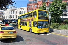Yellow Buses HJ02HFC 432 (welshpete2007) Tags: yellow buses hj02hfc 432