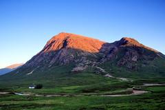 (OutdoorMonkey) Tags: glencoe scotland buachailleetivemor mountain peak summit munro sunset evening sunshine sunlight orange bluesky cloudless countryside outside outdoor nature natural scenic scenery