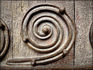 Détail de la porte de l'église de Castelnou