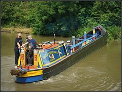 BARROW Boat (Jason 87030) Tags: barrow boat workingboat narrowboatshoweventrally1936builtoldclassicvintage2018blueyellownicecutcanalrefelctionukenglandbritish waterwaysgrand union canal cargo transit grandunioncanalcarryingcompnay co men scene unitedkingdom northants local northamptonshire view sony alpha ilce nex lens tag cut
