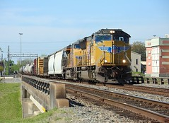 5135 + 7454, Beaumont TX, 22 March 2018 (Mr Joseph Bloggs) Tags: beaumont texas tx usa united states america bahn railroad railway train emd emdsd70m endsd70 electro motive division gm general motors 5135 up union pacific 7454