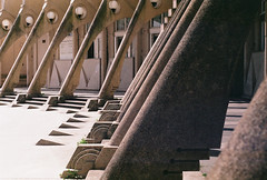 Lines / Île-de-France (Gizem Bengisu Erenler) Tags: fujifilm superia minolta srt101 noisy urban architecture analog analogue film filmphotography 35mmfilm brutalist