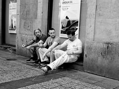 Invisibles 3 (no sabemos cómo llamarnos) Tags: street streetphotography photoderue fotourbana fotocallejera urbanphotography people persona blancoynegro blackandwhite noiretblanc pintores painters peintres maler