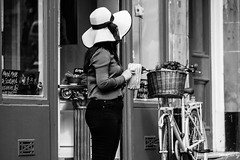 The Hat (Cycling Road Hog 2018) Tags: blackwhite candid canoneos750d citylife cockburnstreet colour efs55250mmf456isstm edinburgh fashion hat monochrome people places scotland street streetphotography streetportrait style urban woman