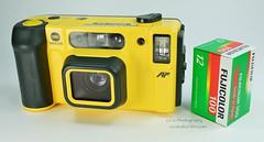 Minolta Weathermatic Dual 35 - 1987 (www.yashicasailorboy.com) Tags: minoltaweathermatic 35mm camera analog japan dual35 photography 1980s pointshoot fujifilm fujicolor