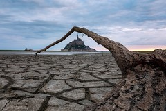 Le Mont Saint-Michel, Normandie (www.fromentinjulien.com) Tags: fromus75 fromus fromentinjulien fromentin flickr view exposure shot hdr dri manual blending digital raw photography photo art photoshop lightroom photomatix french francais light traitements effets effects world europe france normandie normandy manche capitale capital ville city town città cuida colocación monument history 2018 photographe photographer eos canon 5d 5d4 markiv fullframe full frame ff 1635mm 1635 canonef1635mmf4l canon1635mf4 urban travel architecture cityscape poselongue longexposure montsaintmichel sunrise