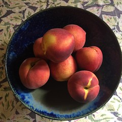 Texas Peaches (Philosopher Queen) Tags: peaches fruit bowl stilllife
