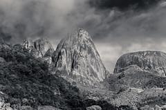 Três Picos e a pedra do Capacete (mcvmjr1971) Tags: vermelho parque estadual três picos nova friburgo rio de janeiro trilha trilhandocomdidi viagem travel mmoraes nikon d7000
