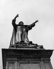 Girolamo Savonarola - Ferrara (frillicca) Tags: 2018 april aprile art arte bn bw biancoenero bianconero blackandwhite blackwhite ferrara monochrome monocromo nikkor nikkor18300mmf35 nikon nikond300 piazzasavonarola savonarola statua statue
